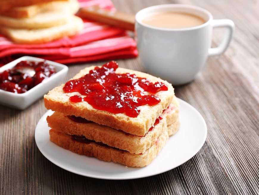 ขนมปังกับเนยและแยม