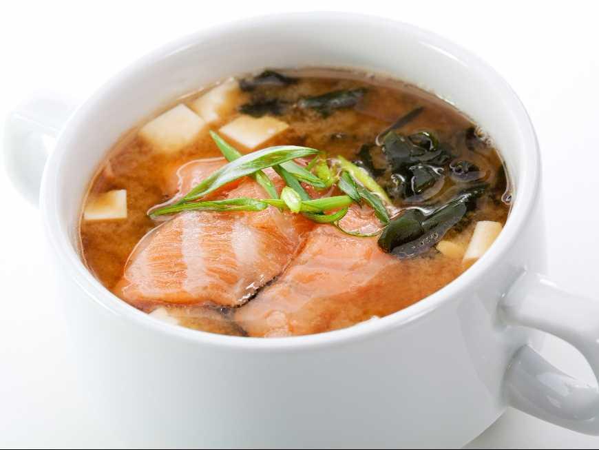 ซุปสาหร่ายปลาแซลมอน