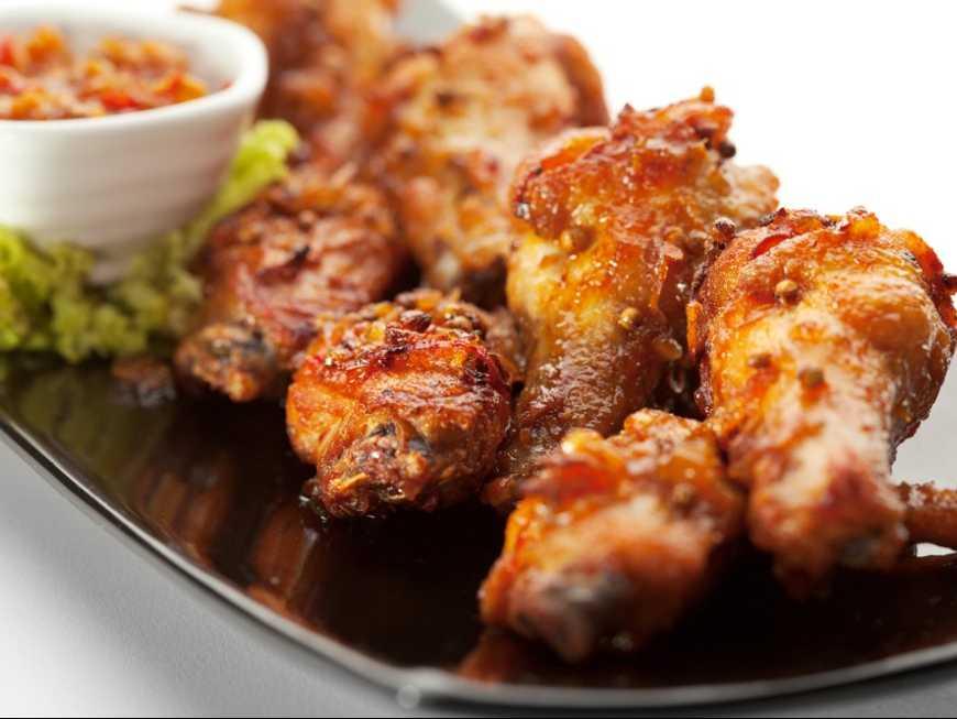 น่องไก่ทอดพริกไทยดำ
