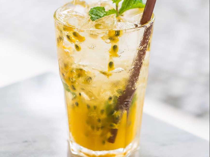 น้ำเสาวรสน้ำผึ้งโซดา