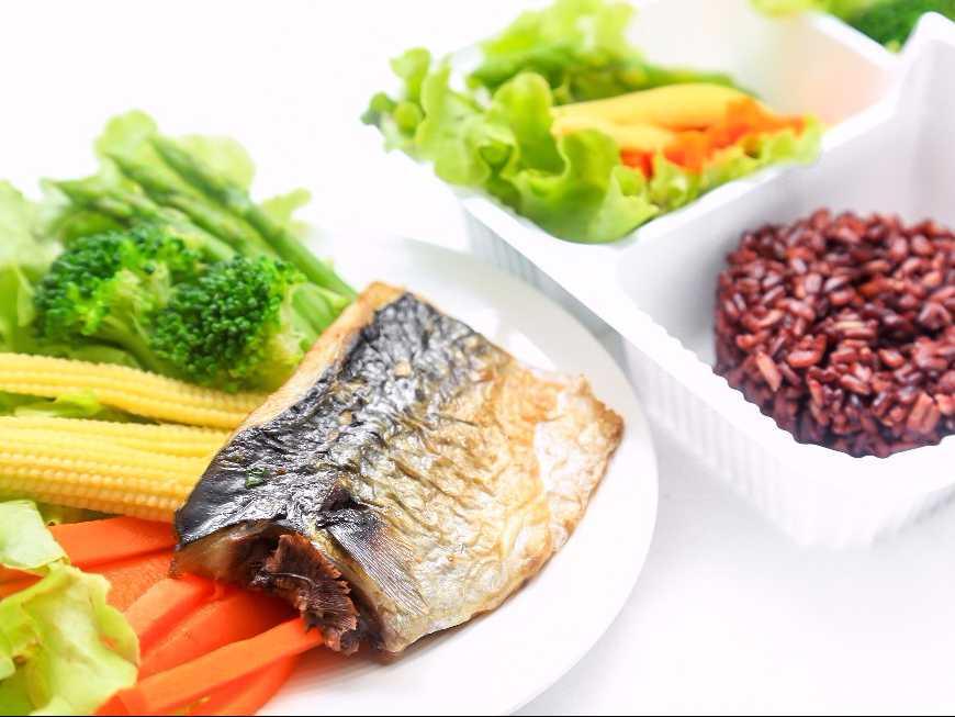 ปลาซาบะย่างเกลือเพื่อสุขภาพ