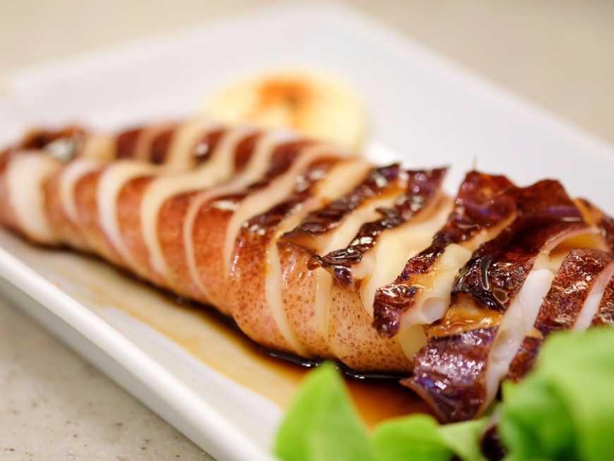 ปลาหมึกผัดซอส