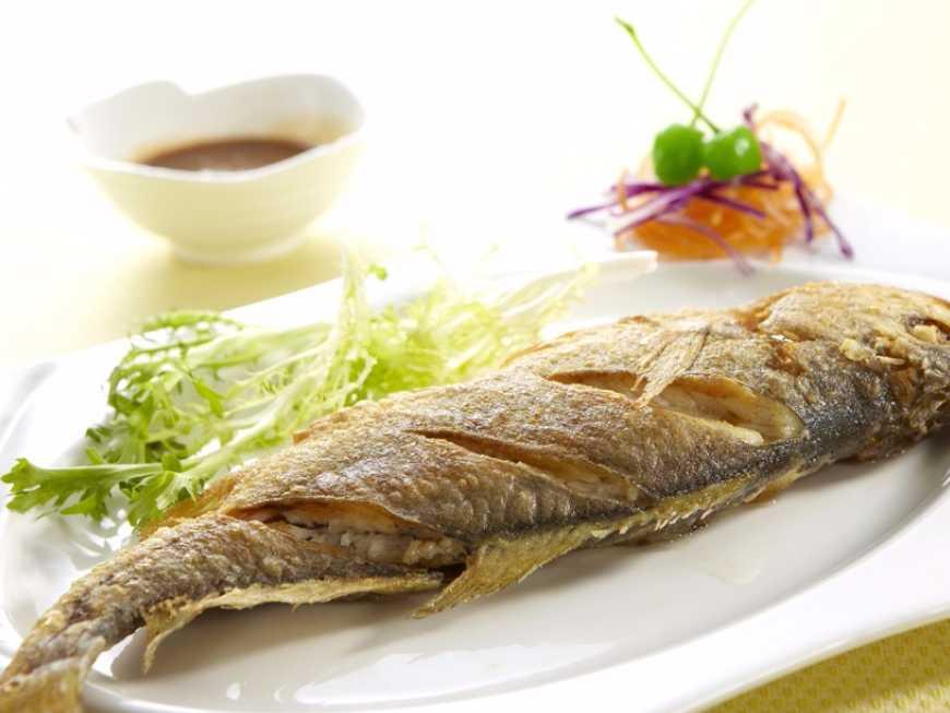 ปลาอินทรีย์ทอดน้ำปลา