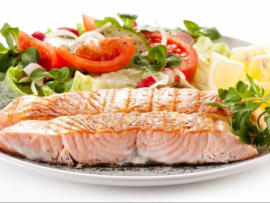 สลัดผักปลาย่าง