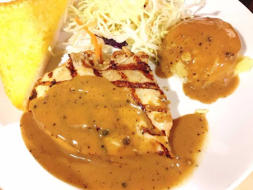 สเต็กหมูซอสพริกไทยดำ