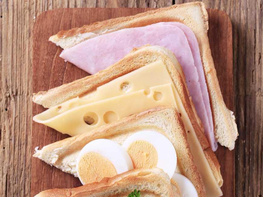 แซนด์วิชแฮมไข่ต้ม