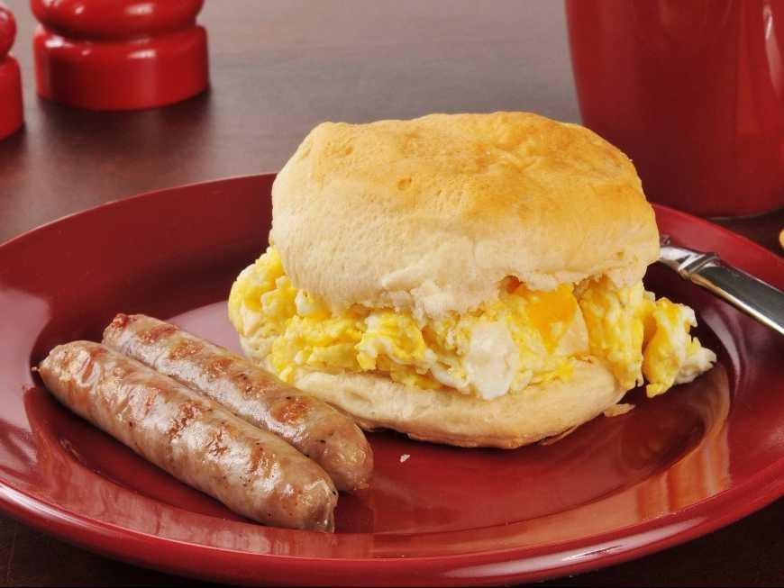 แซนด์วิชไข่คนไส้กรอก